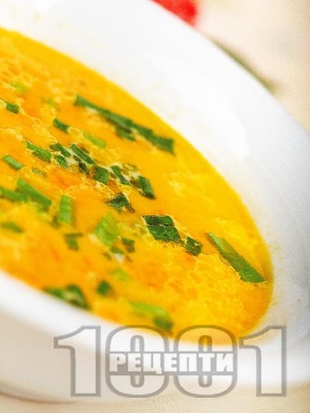 Крем супа от моркови, лук и мляко - снимка на рецептата
